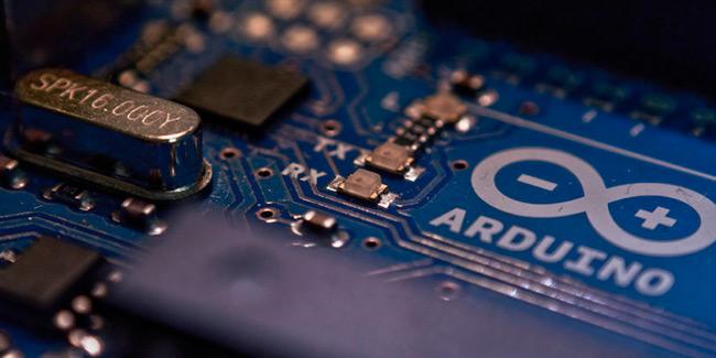como escribir en un tarjeta SD con Arduino para almacenar la información que nos devuelve los sensores en algún lugar para después poderlos descargar y procesarlos en nuestro equipo.